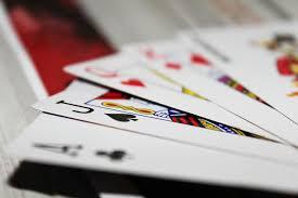 แบล็คแจ็ค เกมไพ่ออนไลน์ กับมารยาทในการเล่น 4 ข้อ ที่ผู้เล่นไม่ควรมองข้าม